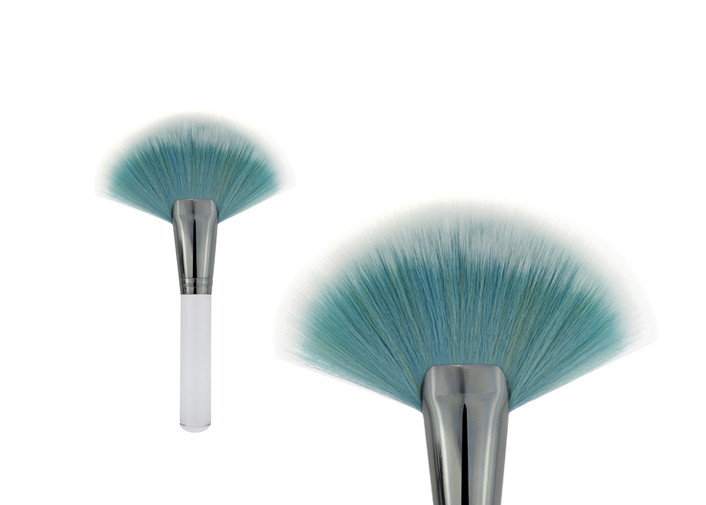 Large Fan Travel Contour Tapered Blush Brush Highlight , Blue And White